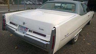 1976-cadillac-coupe-deville-rear
